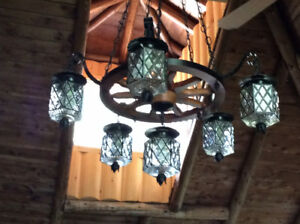 Chandeliers style rustique