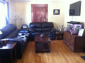 Large ground level 1 bedroom duplex for rent! $550+
