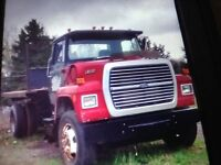 L-800 Ford  hook truck