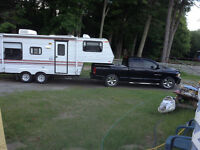 JAYCO 5th Wheel.    Excellent shape.  Owned by seniors