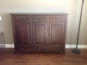 Solid wood dining room hutch set
