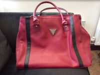 Guess large handbag or overnight bag great condition