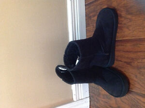 Brand new ugg style girls size 1 boots