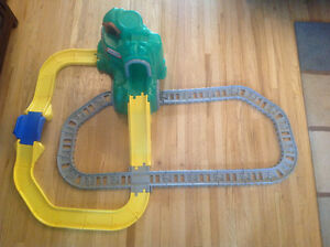 Little tikes mountain + tracks for Duplo cars and trains