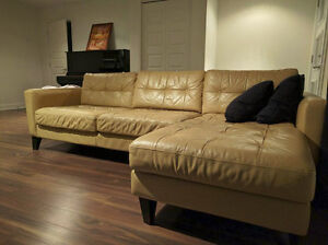Sectionnal sofa in real leather