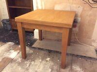 Next oak extendable table