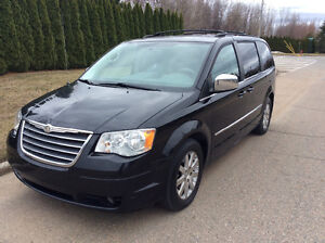 2009 Chrysler Town & Country Camionnette