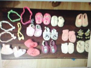 Lot d' accessoire bébé fille Nouveau prix!!