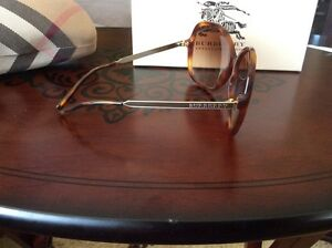 Burberry sun glasses Cambridge Kitchener Area image 2
