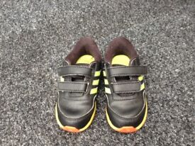 Baby boy shoes size 6 1/2 £3