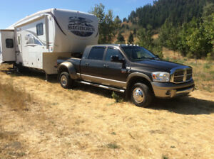 REDUCED!!  2010 Bighorn 5th Wheel & 2009 Dodge Megacab 4x4