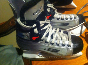 Youth Bauer Vapour Hockey Skates