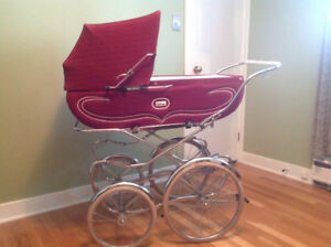 Vintage baby carriage/day bed