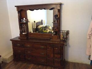 Still available Queen bedroom set make offer