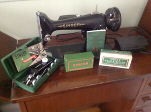 SINGER Sewing Machine - 201-3 - REDUCED