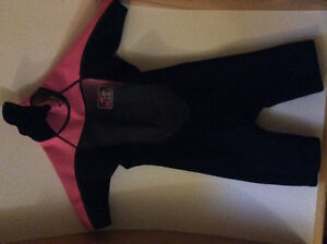 Fluid youth wetsuit, size 8
