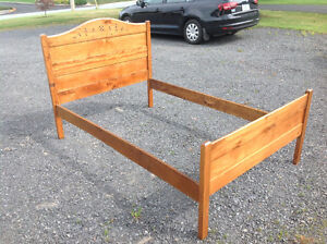 Antique 3/4 Maritime style bed