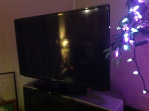 Samsung Smart TV 40 INCH Almost New Condition