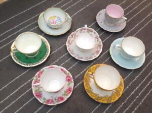 7 tasses de collection fine porcelaine anglaise