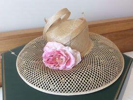 Beautiful straw & velvet rose hat wedding garden party races inc Shoe Tree Wetherby hat box
