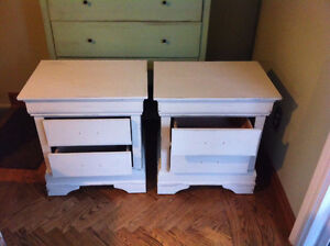 Vintage Hardwood Shabby Chic Weathered Table...free with the... London Ontario image 6