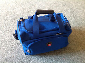 SWIIS GEAR.... Carry On... Over the Shoulder Bag
