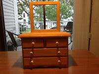 Wooden jewelry/display case
