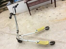 3 wheel 'wiggle' scooter by Trix
