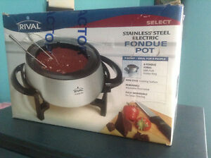 Stainless Steel Fondue Pot (Brand New - Never Used)