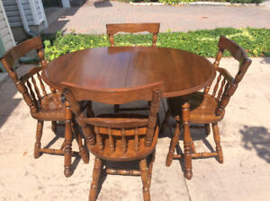 Kitchen or small apartment table and four solid oak chairs $95.0