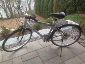 Vélo hybride confort