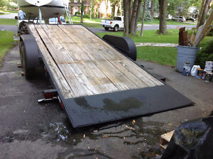 Tandem axle trailer, 7500# capacity, pivoting bed West Island Greater Montréal image 2