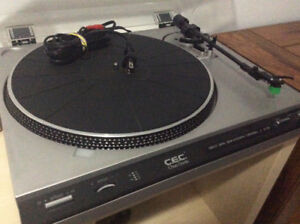 Turntable C.E.C. ST520  (in very good working condition)