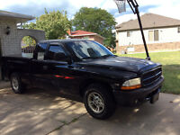 1997 Dodge Dakota Black Pickup Truck