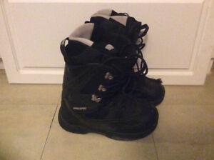 2 pair of snowboard boots size 8 men's 9 women's