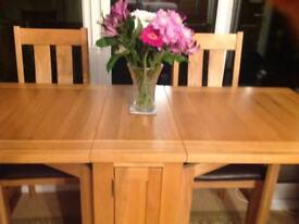 Modern gateleg table