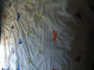 queen size girl comforter + 6 sheer panels Gatineau Ottawa / Gatineau Area image 2