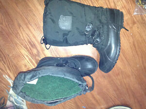 Sorel Women's size 9 boots for sale