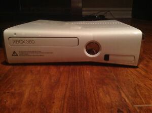 Xbox360 + KINECT-18 games, 500GB extra storage, wired controller