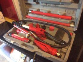 Clarke strong-arm 4 ton hydraulic body repair kit
