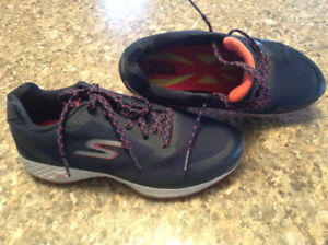 Ladies Sketchers Spikeless Golf Shoes