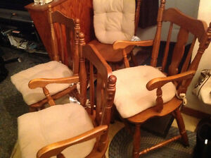 dining chairs 4 solid maple wood set good shape ,only 50 dollars Kitchener / Waterloo Kitchener Area image 7