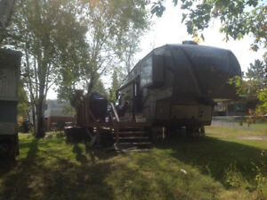 2015 Flagstaff Classic Super Lite 30 ft Fifth Wheel Forest River