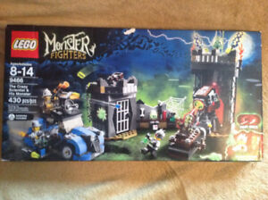Lego Monster Fighters # 9466 - The Crazy Scientist & His Monster