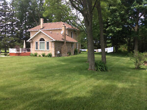 Century home + 93 acres London Ontario image 2