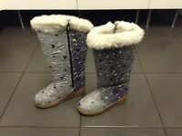 Ladies thermal boots size 6 excellent condition