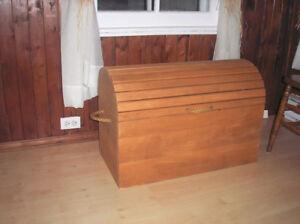 Coffre en bois à vendre