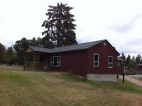 House on acreage, renovated, clean, quiet, horses welcome