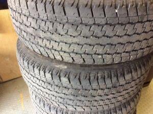 Set de 4 pneus d'été Bridgestone 265 60 18