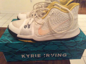NIKE Kyrie 3 Basketball Shoes - Size 6Y